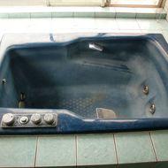 浴槽も生まれ変わる まるで新品の浴槽に!